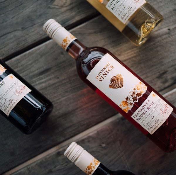Slovenské vinice vína